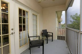 Apartments with screened lanais