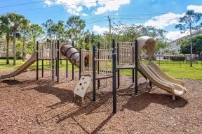 Playground | Floresta