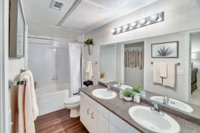 Luxurious Bathrooms| Lodge at Lakeline Village