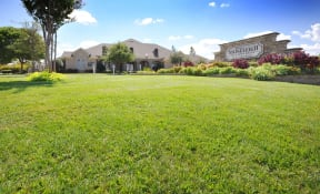 Spacious Lawn at Stoneleigh on Cartwright Apartments, J Street Property Services, Texas