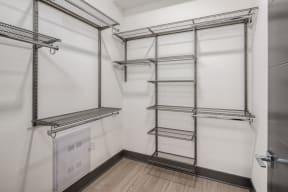 15 Closet 02