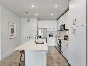 saint_mary_kitchen_3 in austin tx apartments