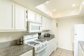 Hawthorne Apartments kitchen