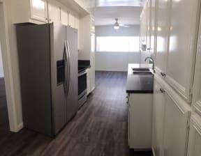 Rodney Manor  kitchen