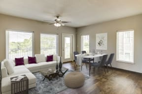 Large 3 bedroom living room
