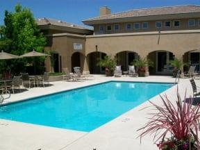 Roseville, CA Apartments - Vineyard Gate Sparkling Pool