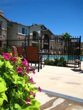 Apartments in Chico CA l Eaton Village Apartments Pool