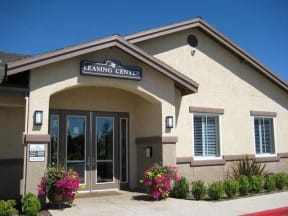 Apartments in Chico CA l Eaton Village Apartments Leasing office