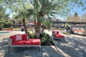 Lounge Chairs and seating Apartments in Pittsburg, CA l Kirker Creek Apartments