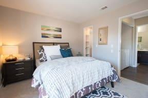 Bedroom Apartments in Pittsburg, CA l Kirker Creek Apartments