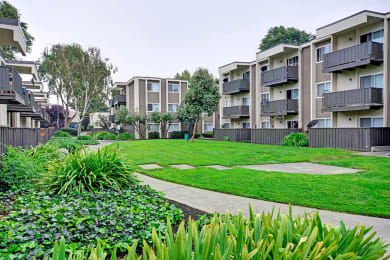 exterior shot at Turnleaf Apartments in San Jose, CA