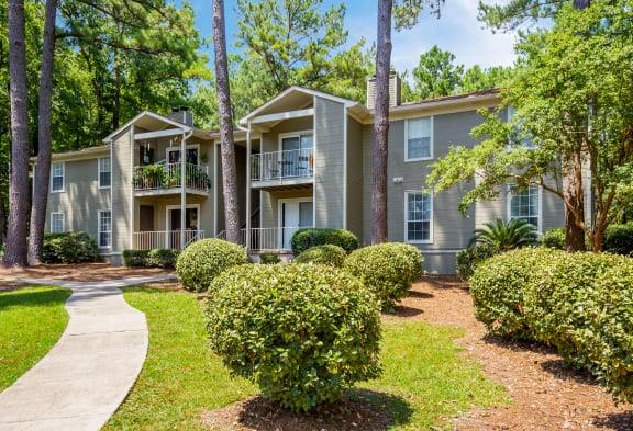 Exterior of Windscape apartments for rent in Daphne, AL