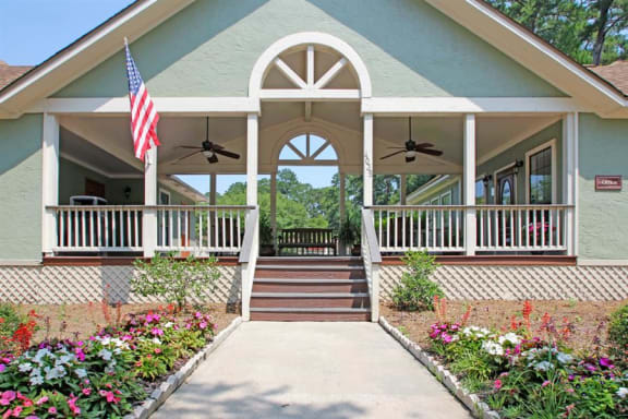Exterior steps of The Arbors Apartments leasing office  in Garden City, GA