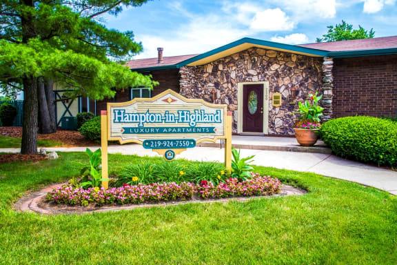 Exterior signage - Hampton in Highland
