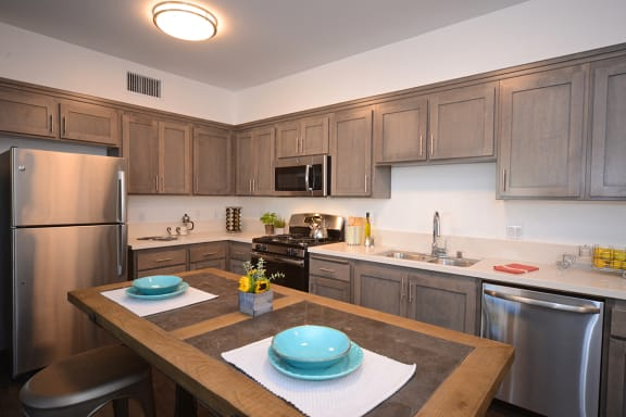Yolo Apartments kitchen with appliances