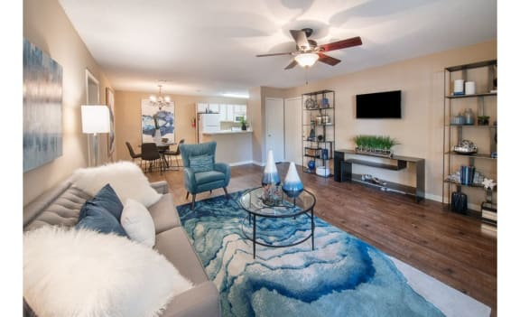 Open Living Room at Lexington Pointe Apartment Homes, Mississippi, 38655