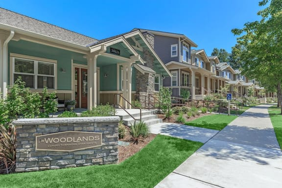 The Woodlands Luxury Townhomes Exterior Building