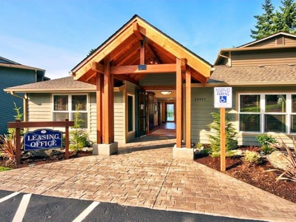 Pembrooke Clubhouse Exterior & Leasing Office Sign