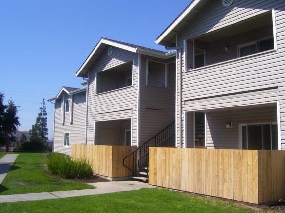 Building Exterior | Vizcaya Apartment Homes in Santa Maria, CA