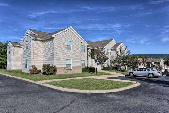 Find An Apartment in State College, PA | Huntington Park Apartments | Property Management, Inc.