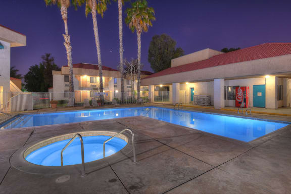 Centrepointe Apartments - Heated Pool & Spa
