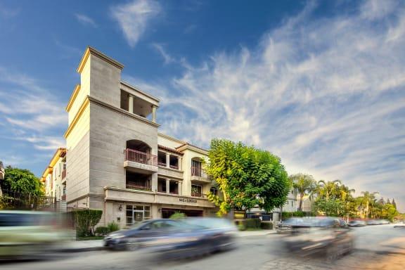 NMS-Superior-Northridge-Luxury-Apartments-Superior-Exterior-Daytime