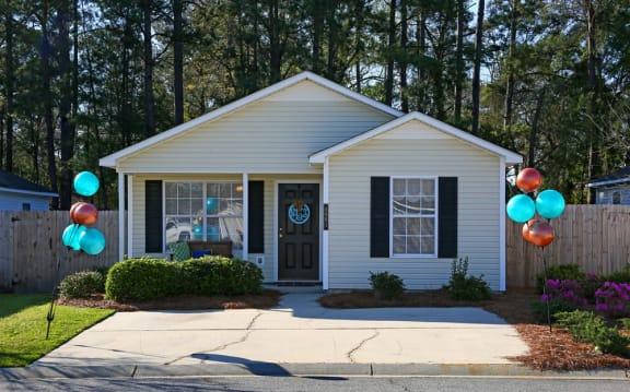 Building Front at West Towne Cottages, Valdosta, GA, 31601