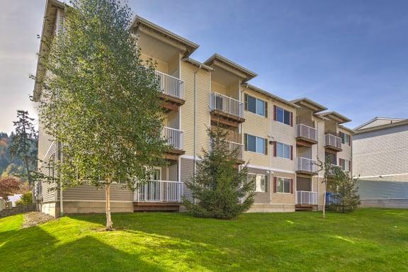 Elk Creek Apartments