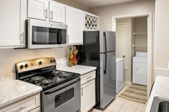 Fully Equipped Kitchen With Modern Appliances at Kings Mill, Florida