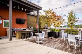 Kent Apartments - The Platform Apartments - Community Rooftop Deck and Gas Grill 2