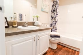 Everett Apartments - Tessera Apartments - Bathroom