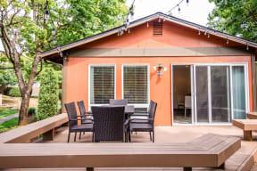 Everett Apartments - Tessera Apartments - Clubhouse Exterior