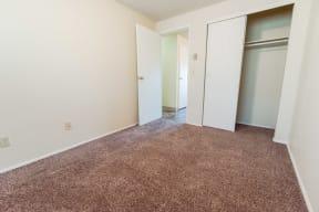 Tacoma Apartments - The Verandas Apartment Homes - Bedroom 2