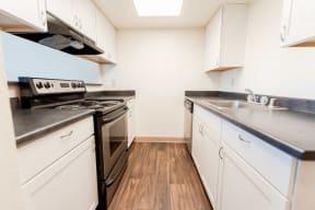 Tacoma Apartments - The Verandas Apartment Homes - Kitchen