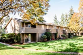 Lakewood Apartments - Bellmary Park Apartments - Rear Exterior