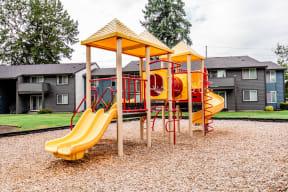 Tacoma Apartments - Aero Apartments - Playground
