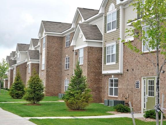 Apartment Exterior at Towne Lakes Apartments, Grand Chute, 54913