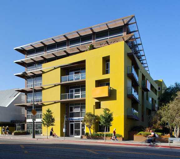 Santa-Monica-Luxury-Apartment-1539-Fourth-Street-Exterior-Front
