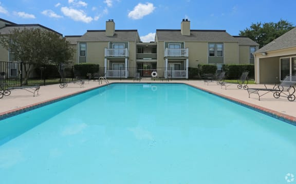 swimming pool and sundeck at Pecan Acres