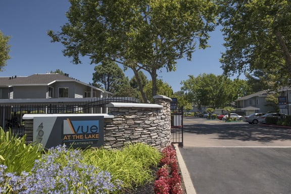 entry to community with monument sign l Vue at the Lake in Sacramento
