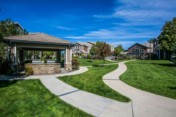 BBQ/ Picnic Area at Townhomes for Rent in Aurora CO