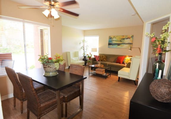 Ample Dining Area At The Arches at Regional Center West Apartments in Palmdale, CA