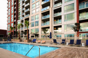 Luxury Apartments in Downtown San Jose California - Centerra Pool