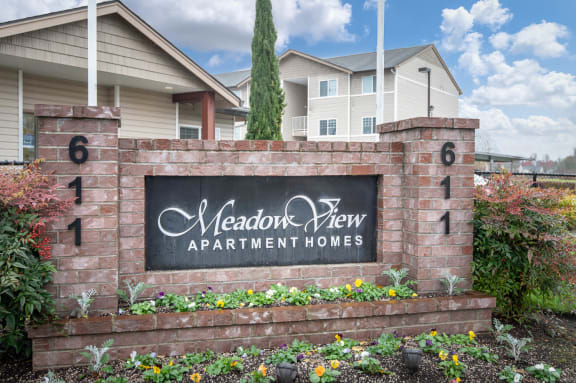Meadow View | Monument Sign