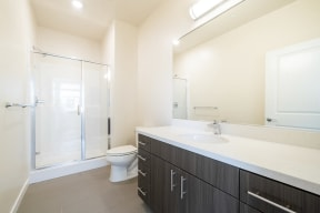 Hub Apartments   Folsom CA  Bathroom