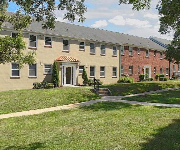 Walking trails at Mount Ridge Apartments, Baltimore, MD, 21228