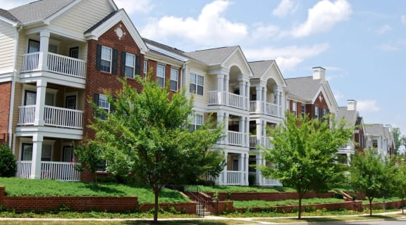 Apartments With Private Balcony at Enclave Apartments, Midlothian, Virginia
