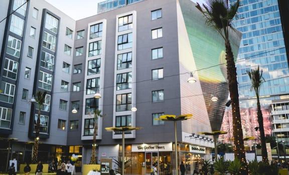 Luxury Apartments in Los Angeles, CA- Wilshire Vermont