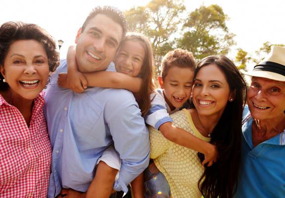 Lakeshore Beach_Multi-Generational Family_Main