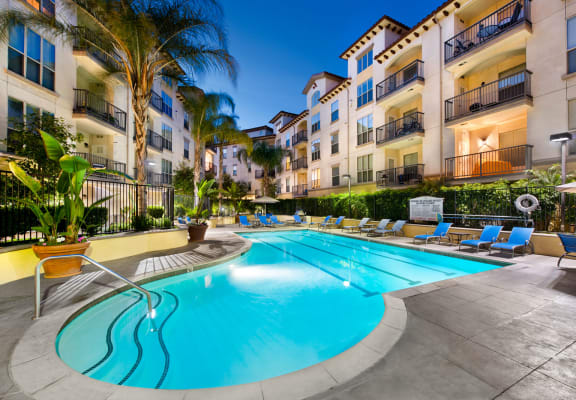 Resort-Style Pool at Windsor Lofts at Universal City, California, 91604
